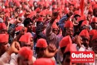 Farmers Begin Two-Day March From Thane To Mumbai For Land Rights, Loan-Waiver