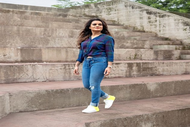 Raabta Singer Aditi Singh Sharma Releases Her First Ever Groovy Single 'Aaja Mahi Ve'