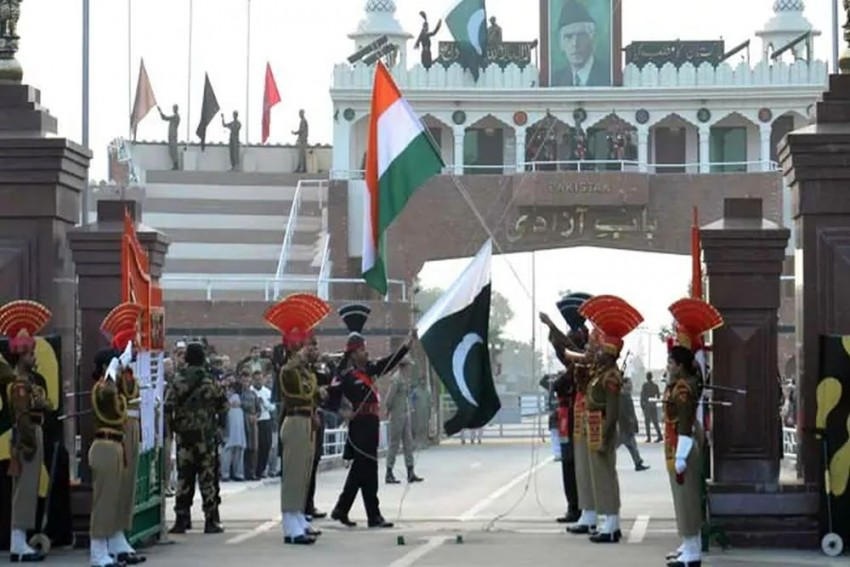 Cabinet Approves Development Of Kartarpur Corridor Till Border, Urges Pakistan To Follow Suit