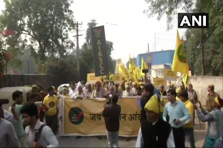 Thousands Of Farmers From Across India Reach Delhi For Two-Day Kisan March
