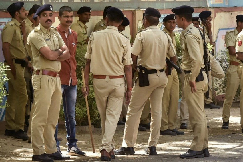'Sacked Without Notice', Hundreds Of Workers Go On Rampage At Phone-Making Unit In Noida