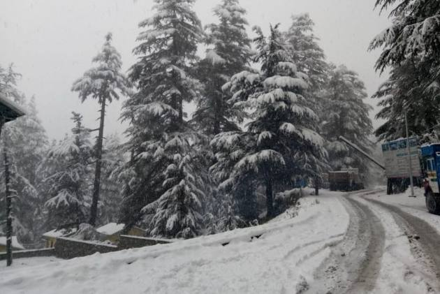 Heavy Snowfall Leads To Unprecedented Power Outages Across Kashmir Valley
