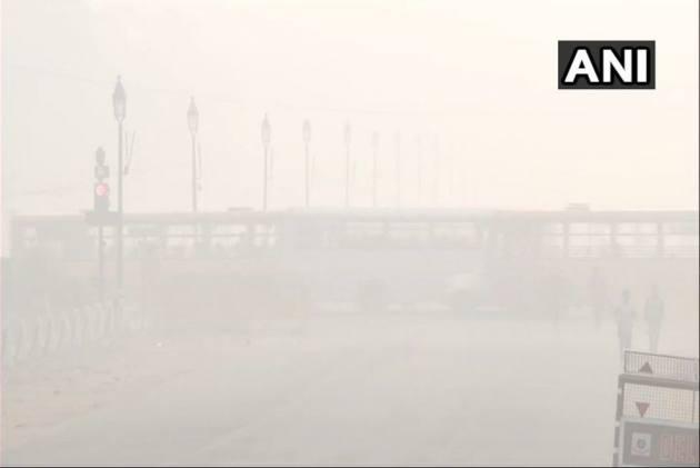 Smog Engulfs Delhi-NCR As Air Quality Breaches 'Hazardous' Mark