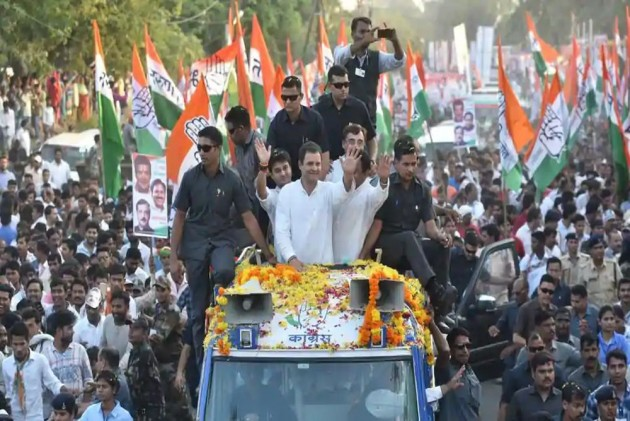 Election Results 2018: Amid Madhya Pradesh Tussle, Congress Approaches Potential Allies