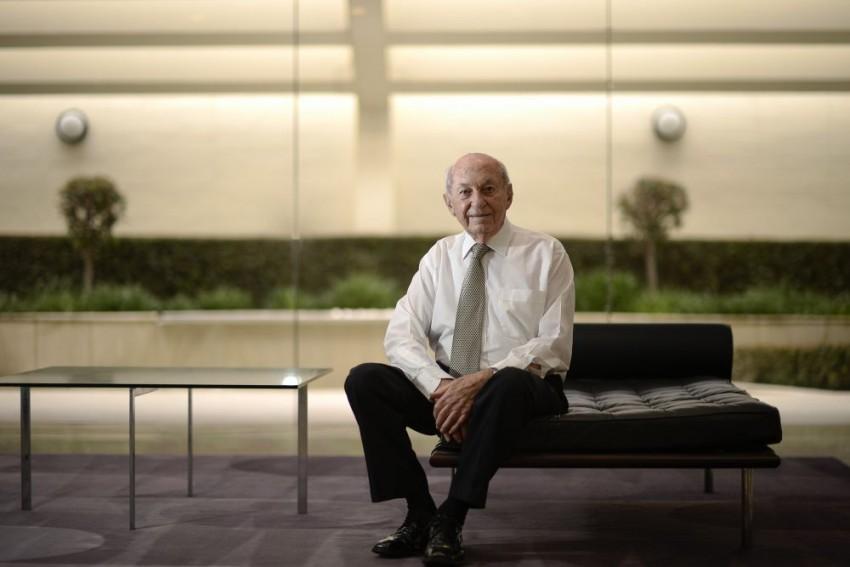 Australian Businessman Stan Perron Leaves Behind Dollar 2.8 Billion Fortune To Charity