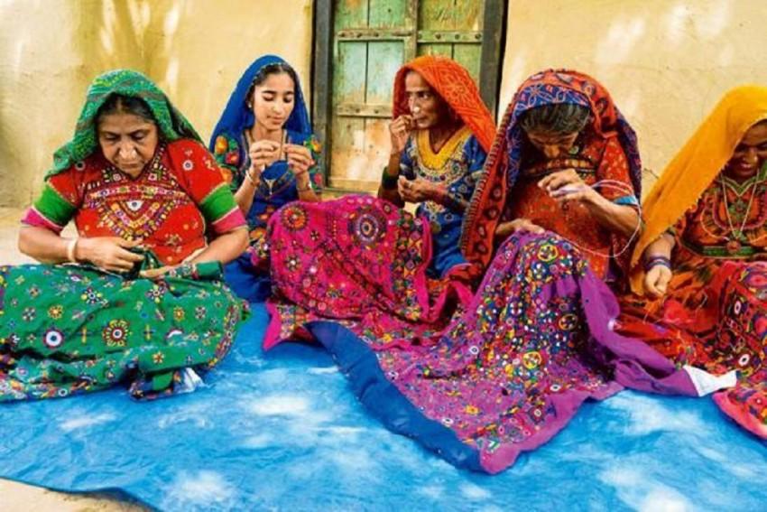 Shrujan, The Thread Of Life Is Popularising The Kutchi Work