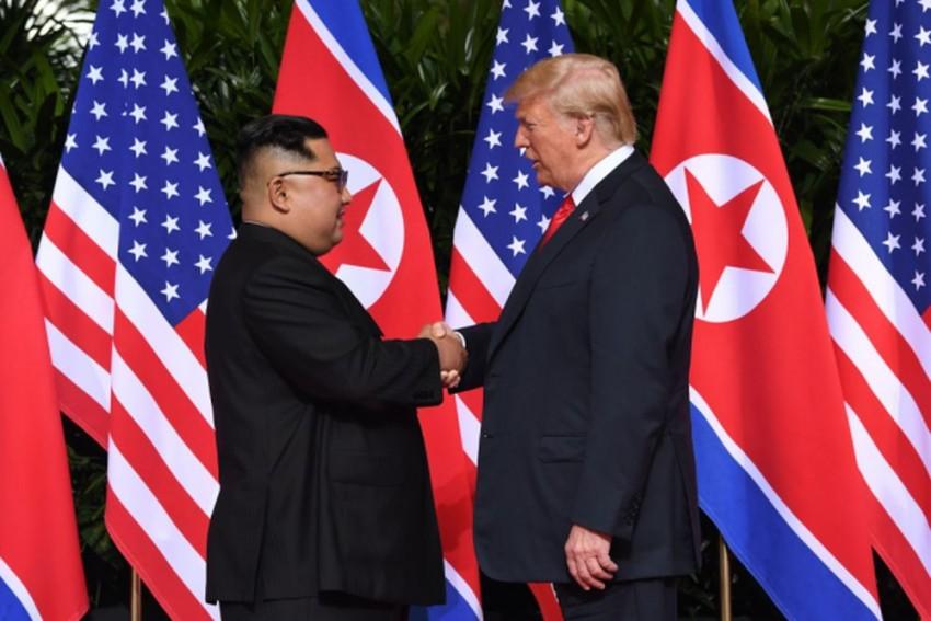 'Kim Shoots Trump' In Seoul's Political Satire Art Installation