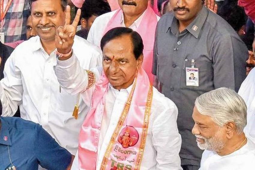 KCR To Meet Patnaik, Mamata, Mayawati, Akhilesh Next Week