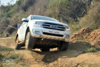 Ford Endeavour Shows How To Have Fun At Off-Road Drive