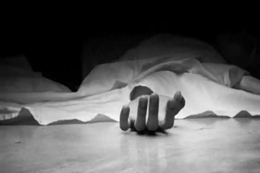 Madhya Pradesh: Woman Hangs Herself, Police Find Baby Dangling From Umbilical Cord