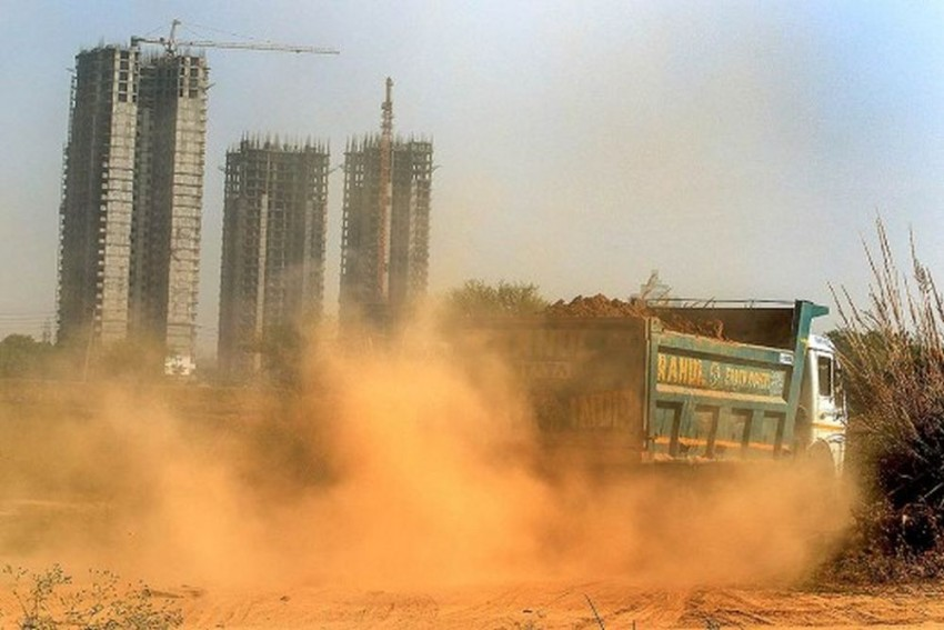 Delhi's Severe Air Pollution Prompts 3-Day Ban On Construction Activities