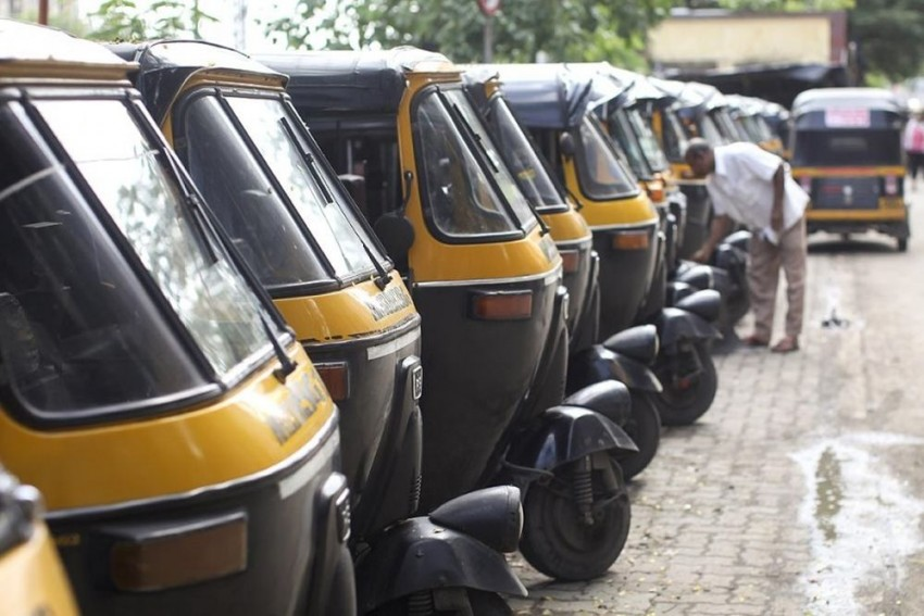 Delhi: Auto Driver Dies While Saving Woman, Baby From Drowning