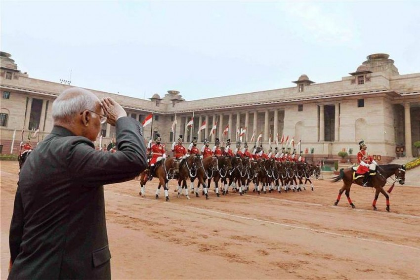 PIL Alleges Only 3 Castes Invited For Recruitment Of President's Bodyguard, HC Issues Notice To Centre