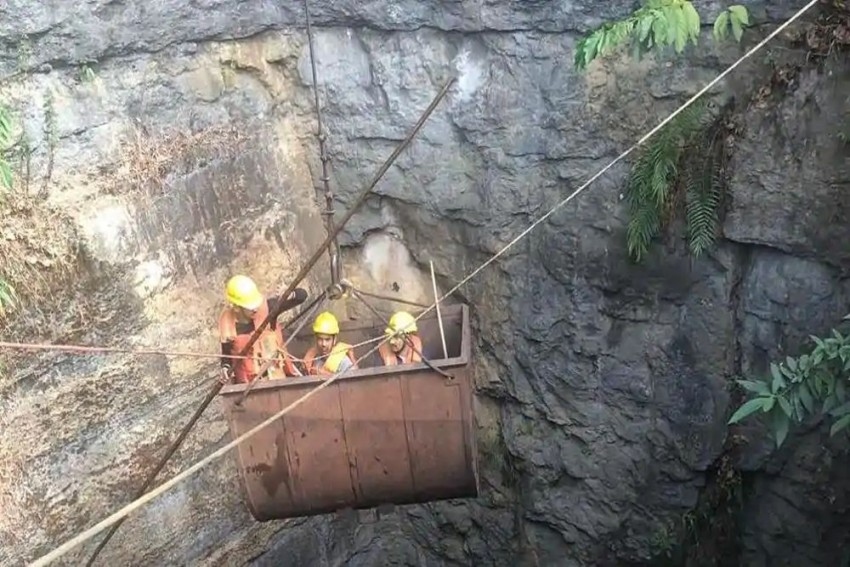 Meghalaya Miners: Day 14 Of Rescue Operation, Cave Smelling Foul, Claim Officials