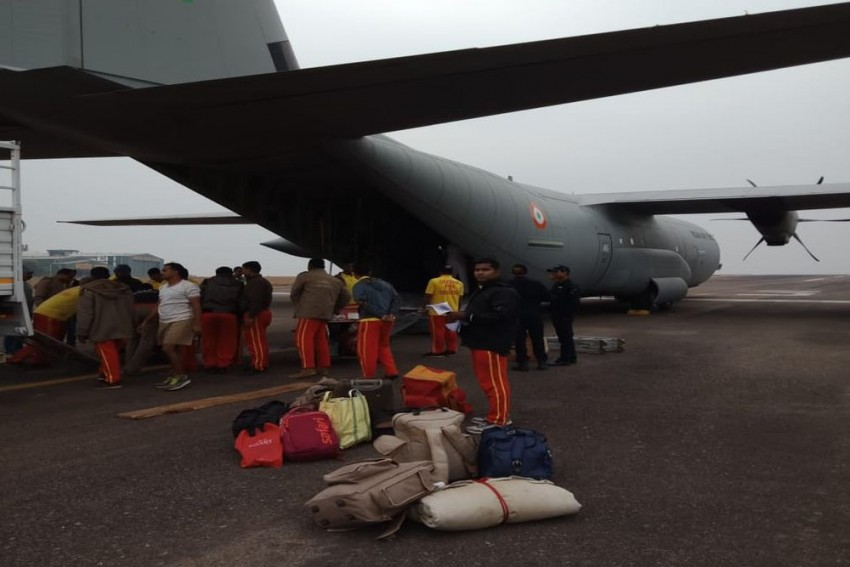 Air Force Flies In Tools To Rescue Miners Trapped In Meghalaya Cave For 15 Days, Kin Lose Hope