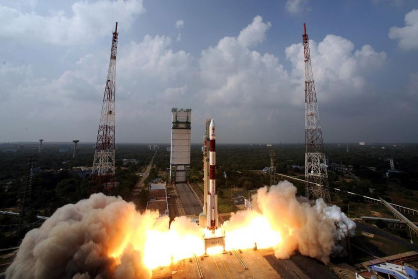 3-Member Indian Crew To Be Sent To Space In Rs 10,000 Crore Gaganyaan Project