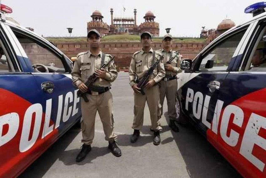 New Year's Eve: 15000 Cops Deployed Across Delhi, Last Exit From Rajiv Chowk Metro At 9 PM