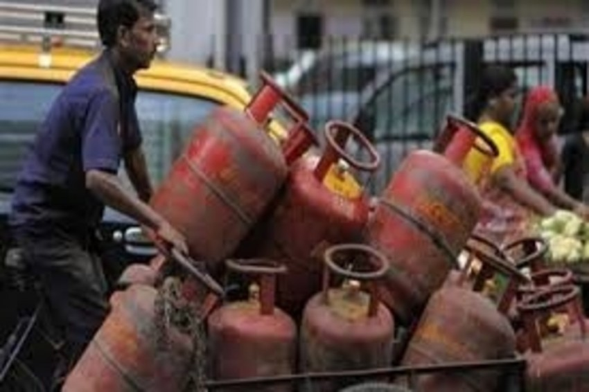 LPG Cylinder To Get Cheap From Jan 1