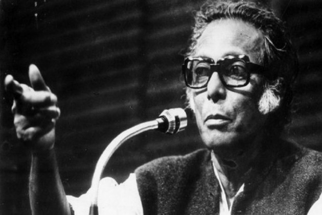 Mrinal Sen, The Auteur Who Pioneered 'New Wave' In Indian Cinema