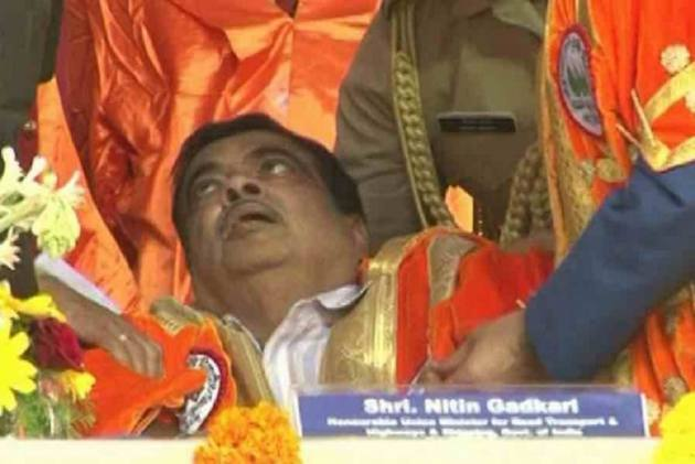 'Doing Well', Tweets Nitin Gadkari After Fainting On Stage At Maharashtra Event