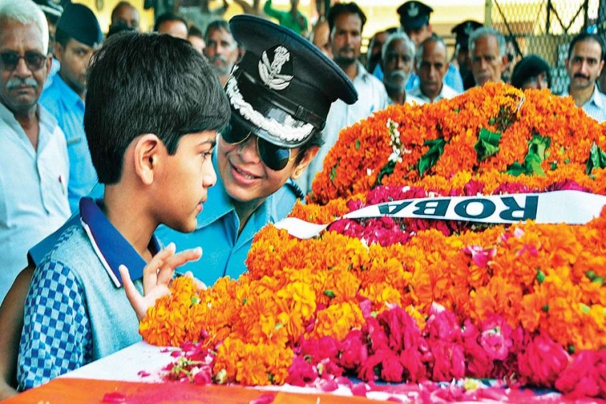Defence Ministry Asks Finance Ministry To Remove Rs 10,000 Per Month Education Fee Cap For Martyrs' Children