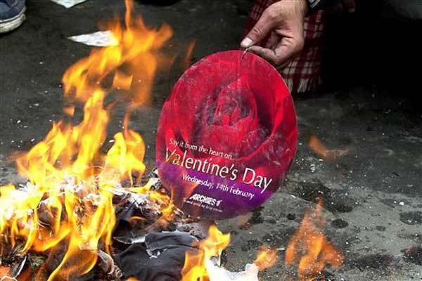 'Influence Of Western Culture Not Allowed', Lucknow University Asks Students To Stay Home On Valentine's Day