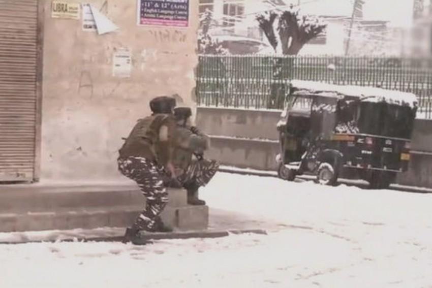2 Militants, 1 CRPF Jawan Killed In 28-Hour Encounter In Srinagar's Karan Nagar