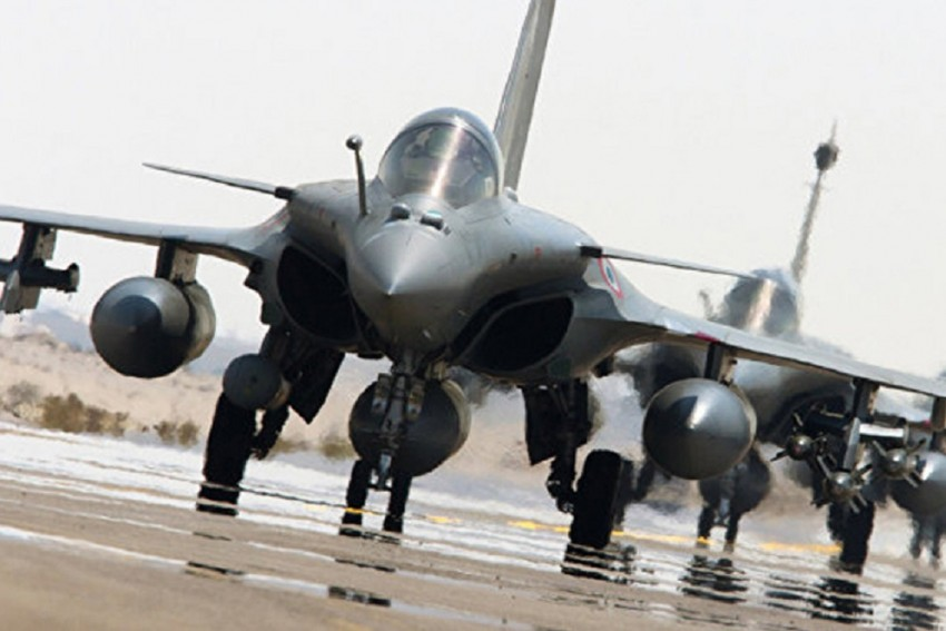 What's Wrong With India's Weapons Procurement Process? A Defence Ministry Report Reveals Major Lapses