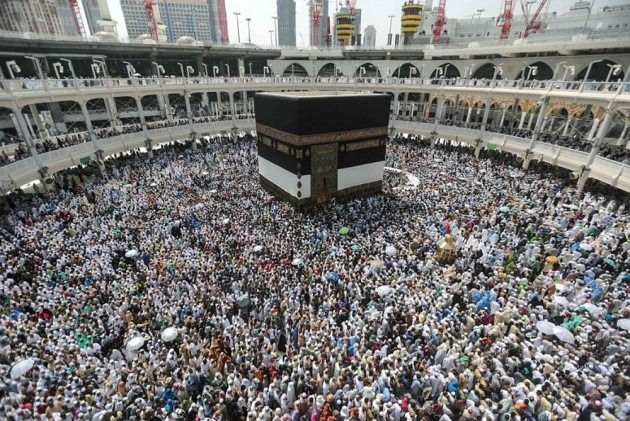A Month After Scrapping Subsidy, Govt Announces Reduction In Airfare For Haj