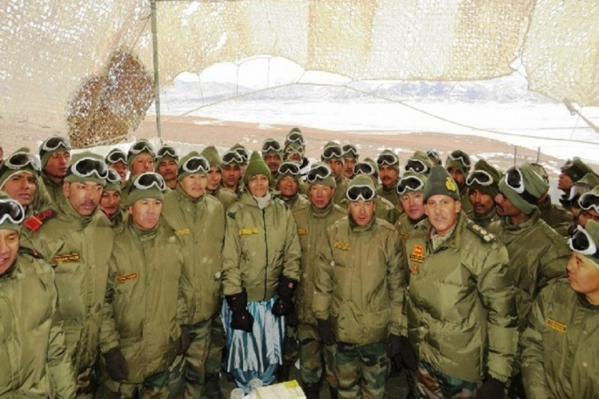 Defence Minister Nirmala Sitharaman Meets Indian Troops Posted At The Highest Post In Eastern Ladakh