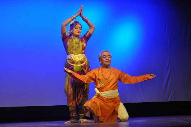 How Two Colossuses Keep Embroidering Their Classical Dances
