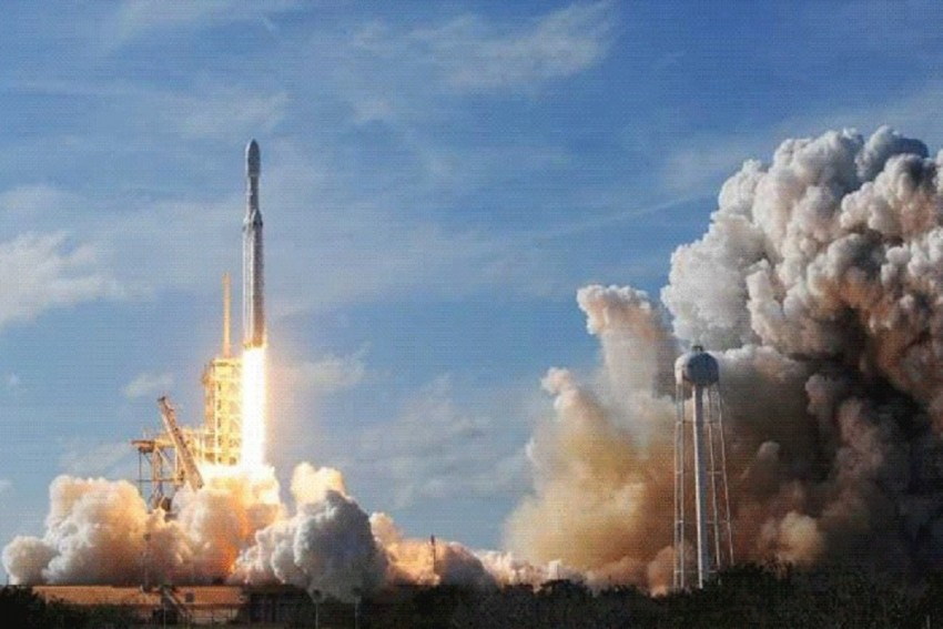 SpaceX Successfully Launches World's Most Powerful Rocket