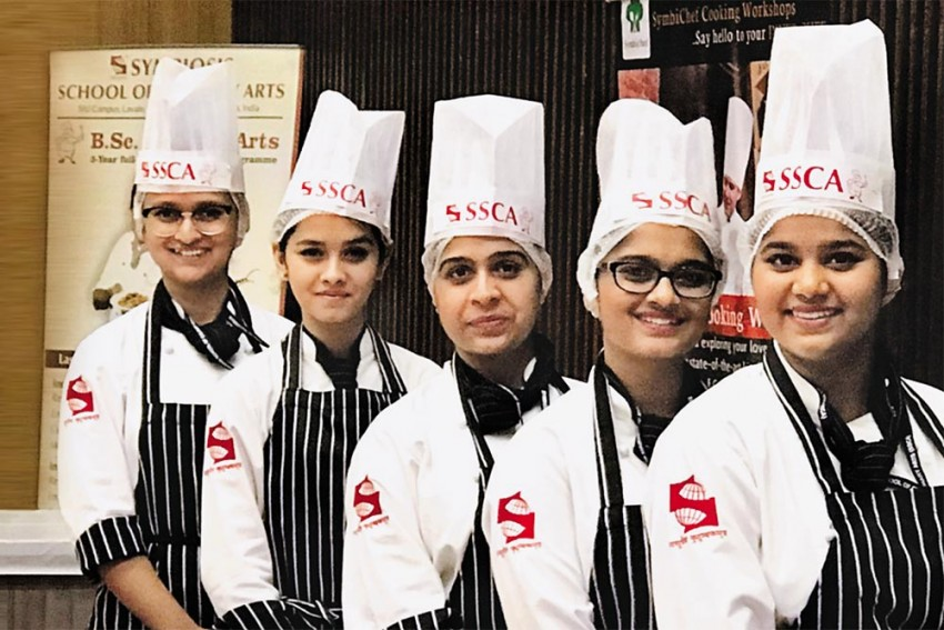 Lady 'Chefs In-The-Making' In India: A Contemporary Scenario