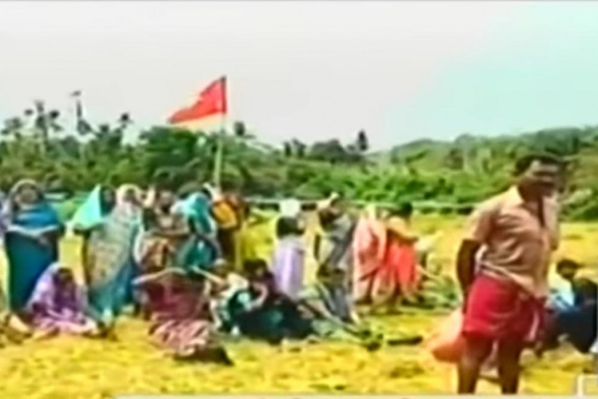 Kerala CPI(M) Workers Set Afire Tents Of Farmers Protesting Against Paddy Land Acquisition For Highway