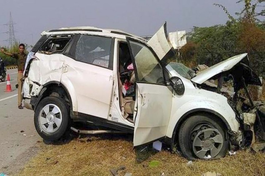 3 AIIMS Doctors Enroute To Agra Killed In Accident On Yamuna Expressway