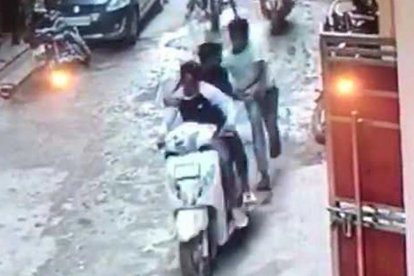 Delhi Man Stabbed 50 Times, Thrashed With Rods For Stopping A Boy From Being Assaulted