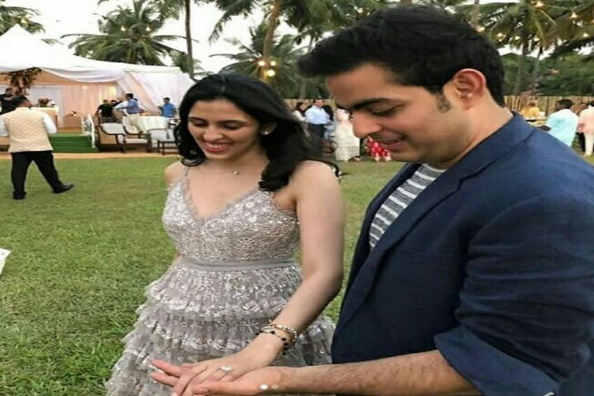 Akash Ambani Proposes To Shloka Mehta, Daughter Of Diamantaire Russell Mehta