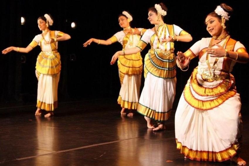 Diplomacy Over Dance: Milestone Mohiniyattam Colloquium Hosts Rare Inter-School Dialogue