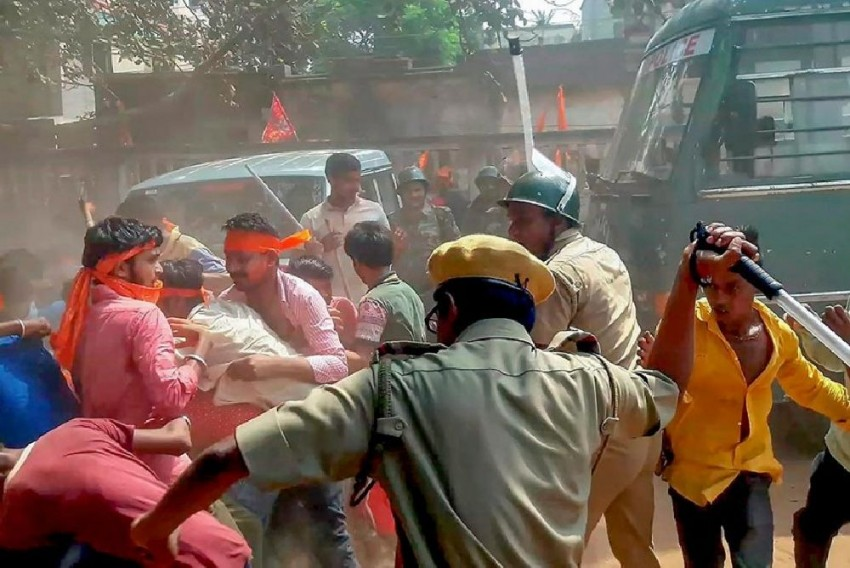 Yes, Hindus And Muslims Are Fighting In West Bengal, But Only Political Parties Of The State Are to Blame