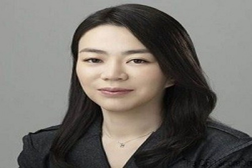 Korean Air Heiress Who Made Stewardess Kneel For Serving Her Nuts Improperly, Rejoins Company