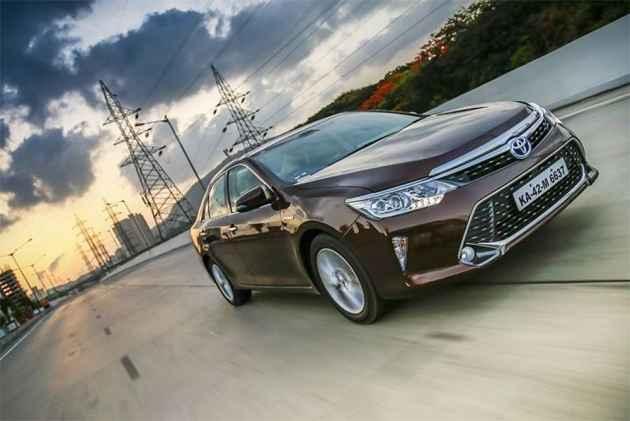 Toyota Camry Hybrid Production Resumes
