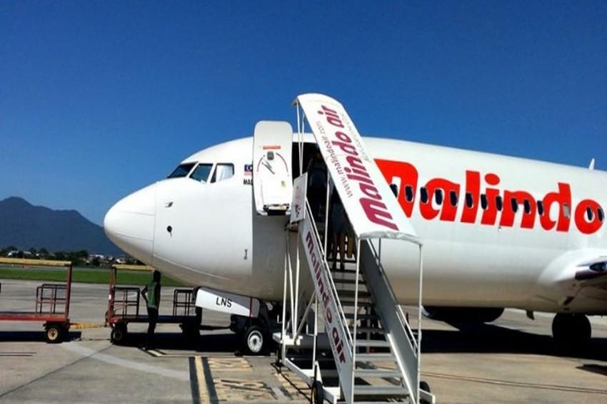 Passenger Strips Naked, Attacks Stewardess On Flight From