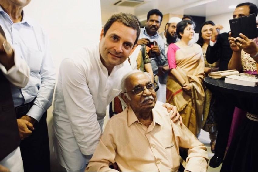 Rahul Gandhi Visits Subhas Chandra Bose Memorial In Singapore, To Meet Indian Community