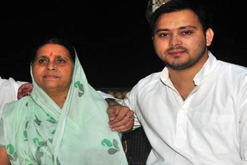 CBI Carries Out Searches At Rabri Devi's Residence, Questions Tejashwi Yadav Over Railway Hotel Tender Case