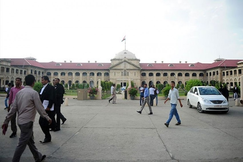 Don't Cremate Body of Unnao Gangrape Victim's Father, If Not Done Already: Allahabad High Court