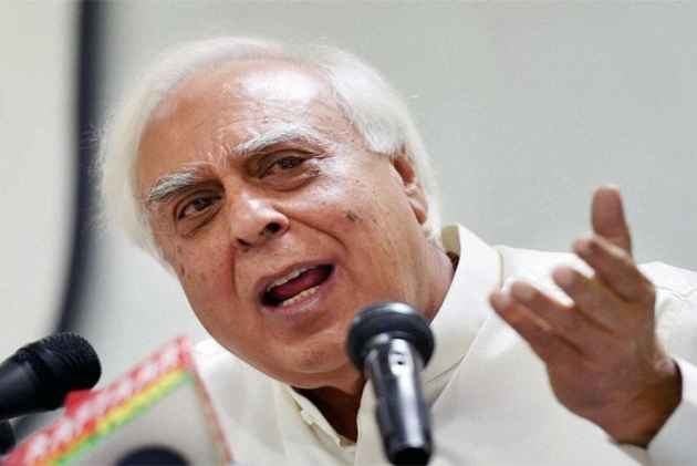 'PM Modi, Do You Want To Give The Message Of 'Betiyaan Chuppao' Or Beti Bachao'?: Kapil Sibal On Kathua Rape And Murder Case