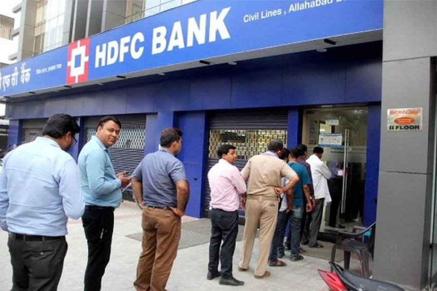 Logistic Issues In Replenishing ATMs Reason Behind Cash Crunch: RBI