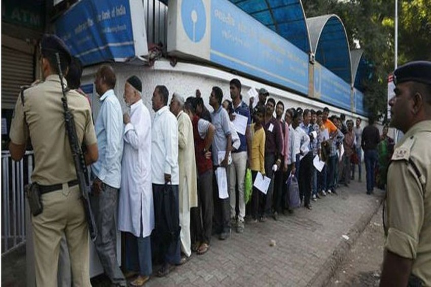 ATM Cash Crunch: SBI Report Says Currency Shortfall At Rs 70,000 Crore