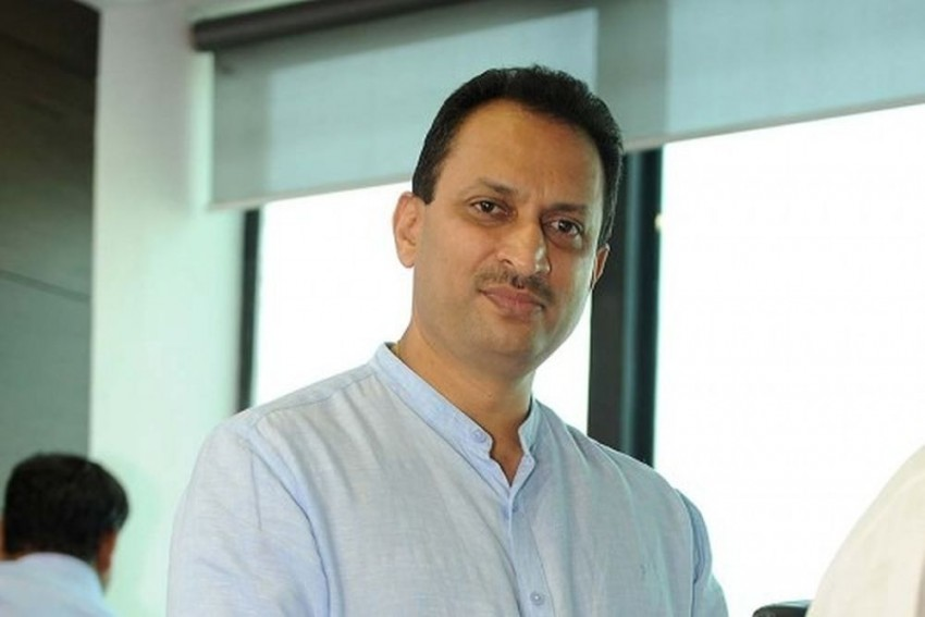 Union Minister Anant Kumar Hegde Receives Threat Call, Says A Truck Tried To Hit His Car