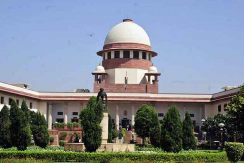 Supreme Court Agrees To Hear Centre's Review Petition On SC/ST Act Today